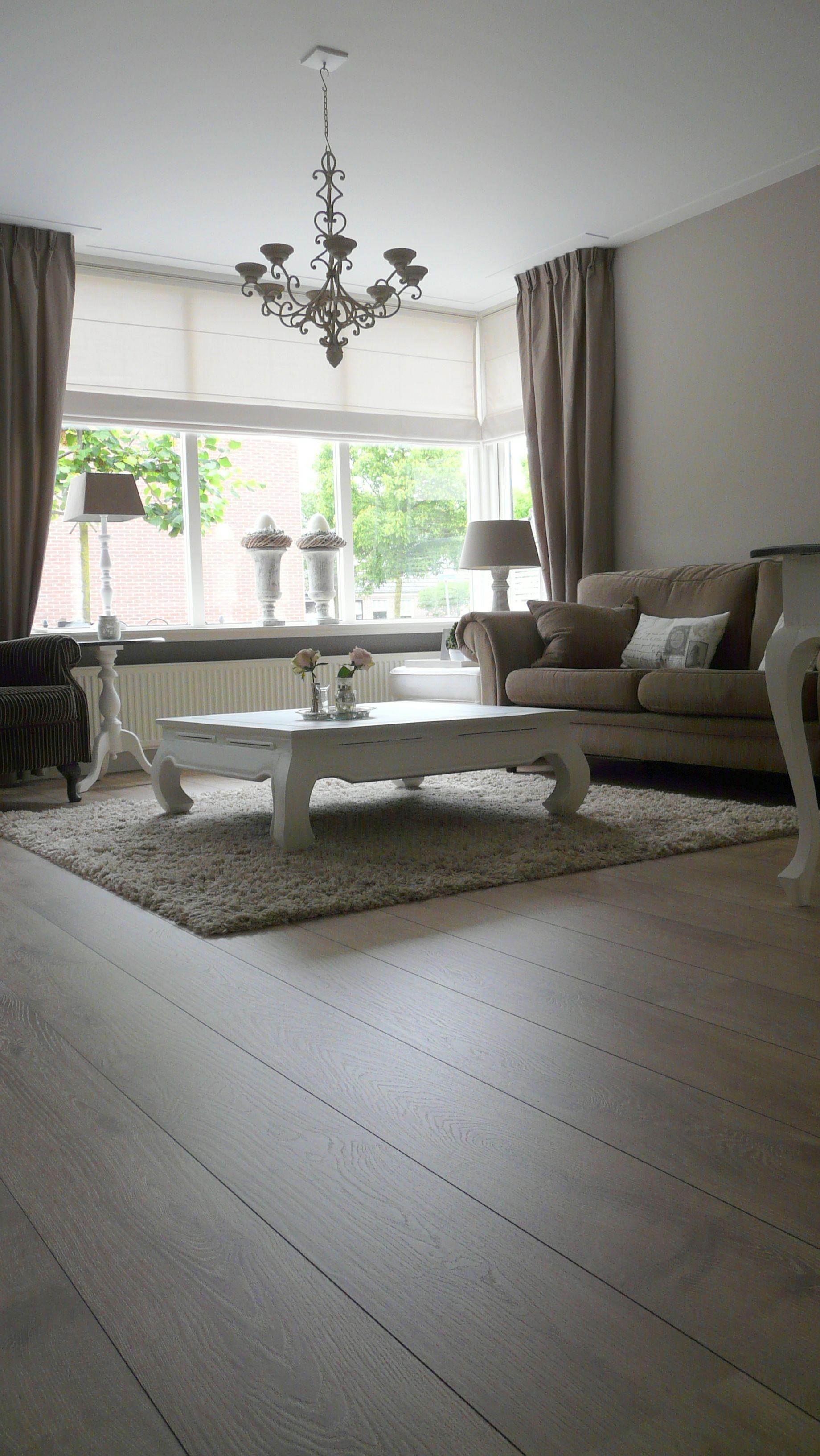 Rustige woonkamer in aardetinten. | Woonkamer | Pinterest - Louvre ...