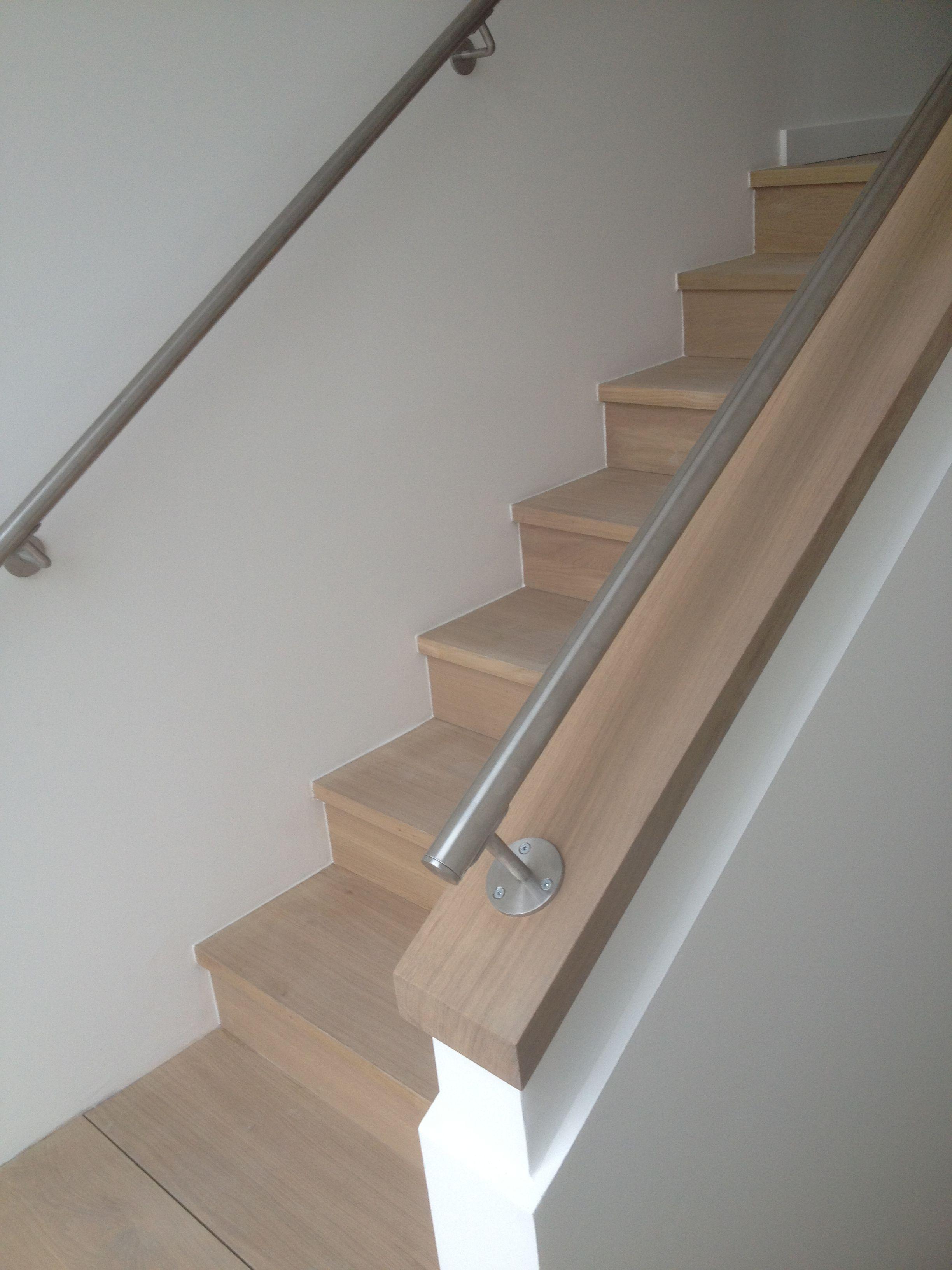 Escalier Droit Bois Et Rampe Inox Pallier Escalier Escaliers Maison Escalier