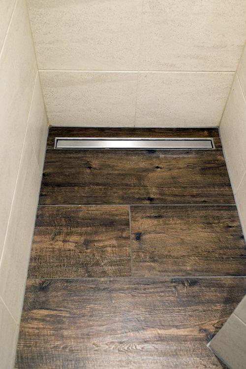 Douche met badkamer met tegels van Venis en Marazzi gerealiseerd ...