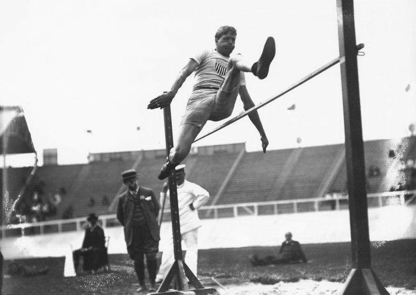 Auf Platz 10 der erfolgreichsten Olympioniken aller Zeiten steht  Ray Ewry :...