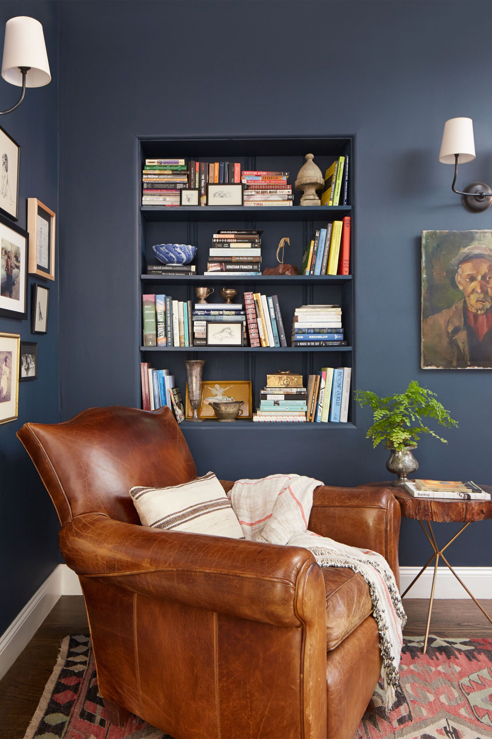 5 Modern Paint Colors That Work Surprisingly Well In Old Houses Home Cozy Reading Corners Home Decor