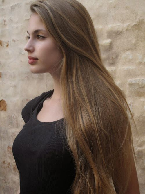 Mousy Blonde Brown Hair With Natural Highlights Created With Honey