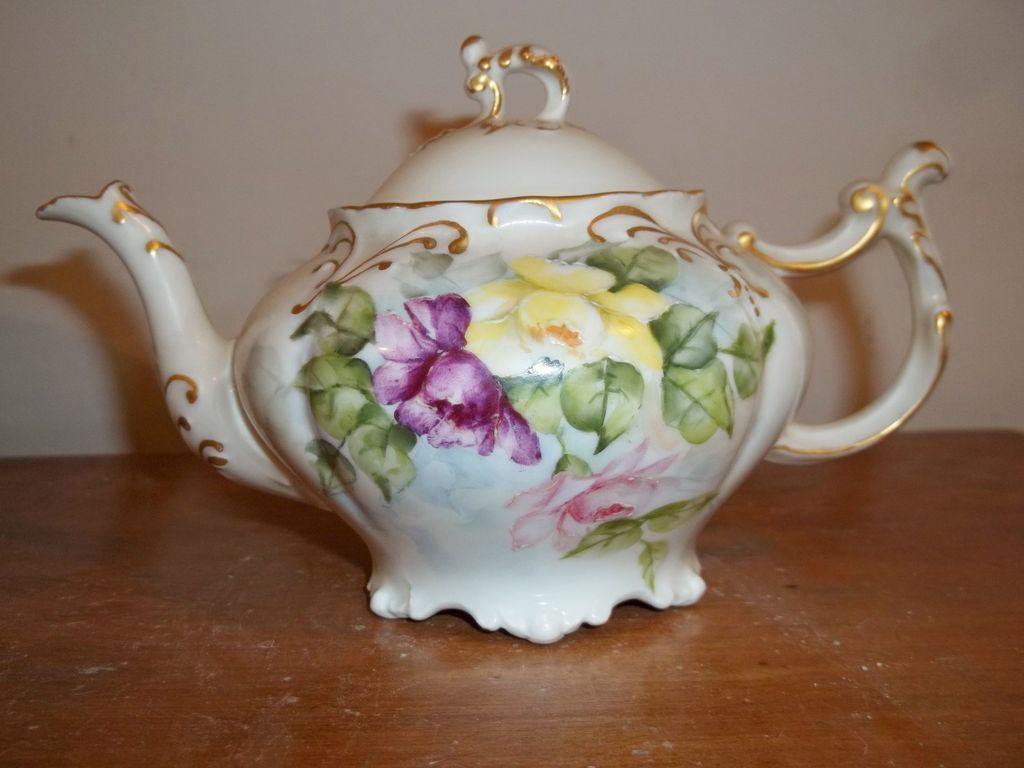Vintage JP Limoges Tea pot - Hand-painted Roses.