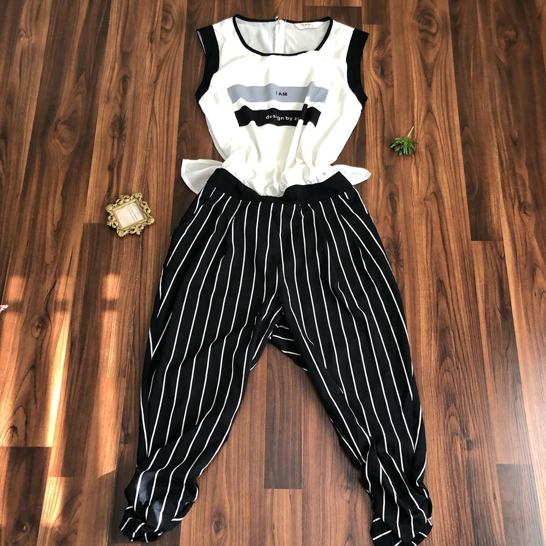 Jumpsuit available  size :none (fits uk 12 Price : N2500 Brand: none  Defect:'none  Dm or WhatsApp t...
