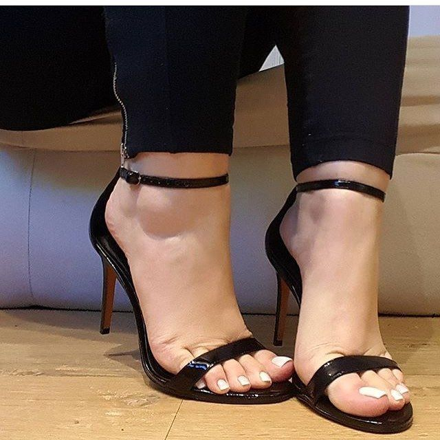 Very sexy toes