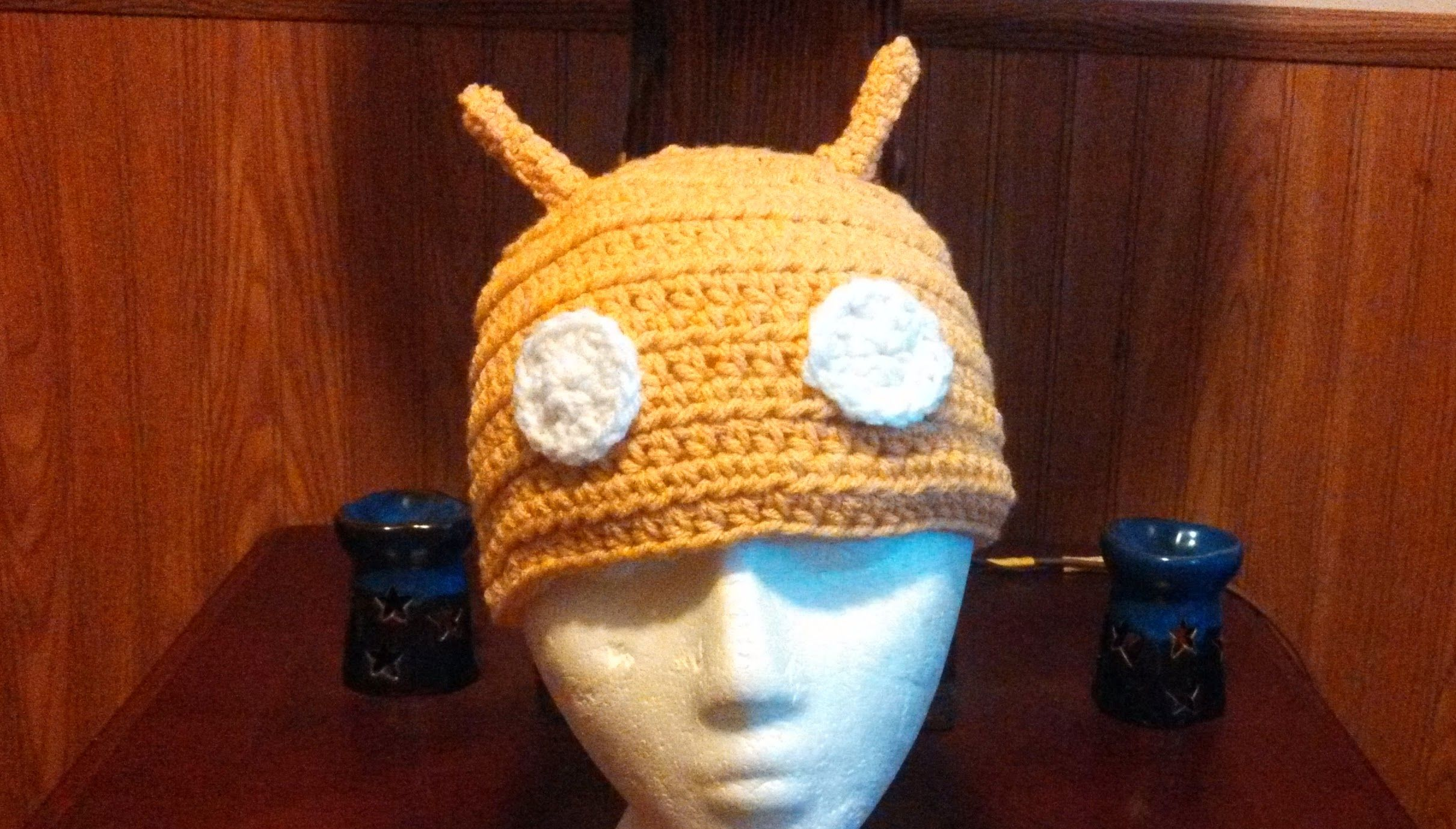 Golden #Android Beanie. Adult size! Very awesome!