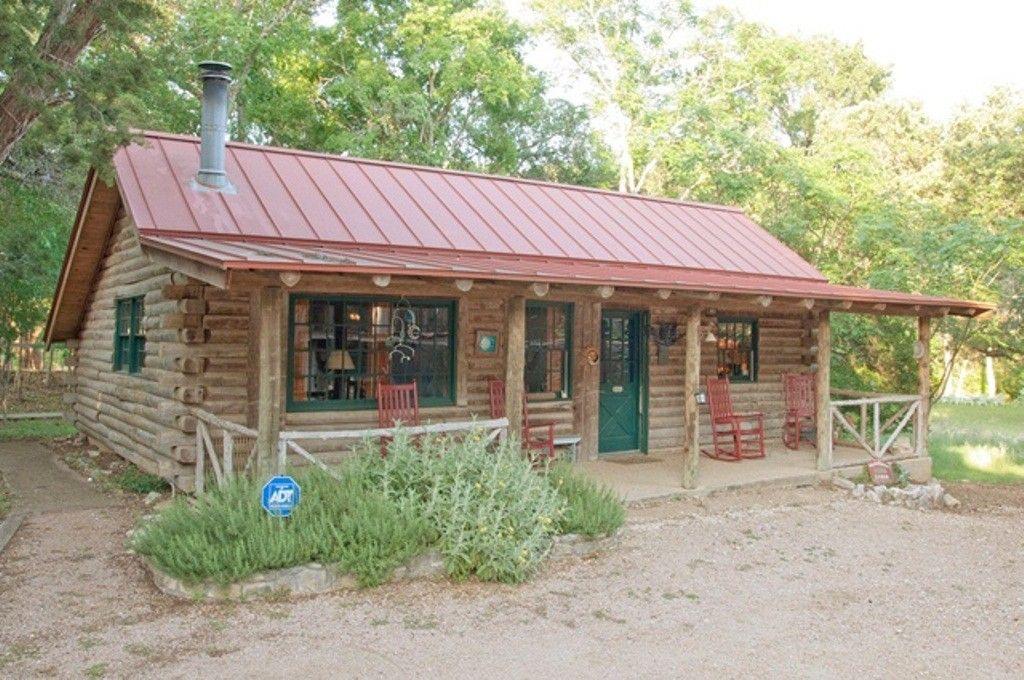 Moondance Everyone S Favorite Log Cabin Romantic Pet Welcoming On Creek Wimberley Wimberley Cabin Vacation Cabin