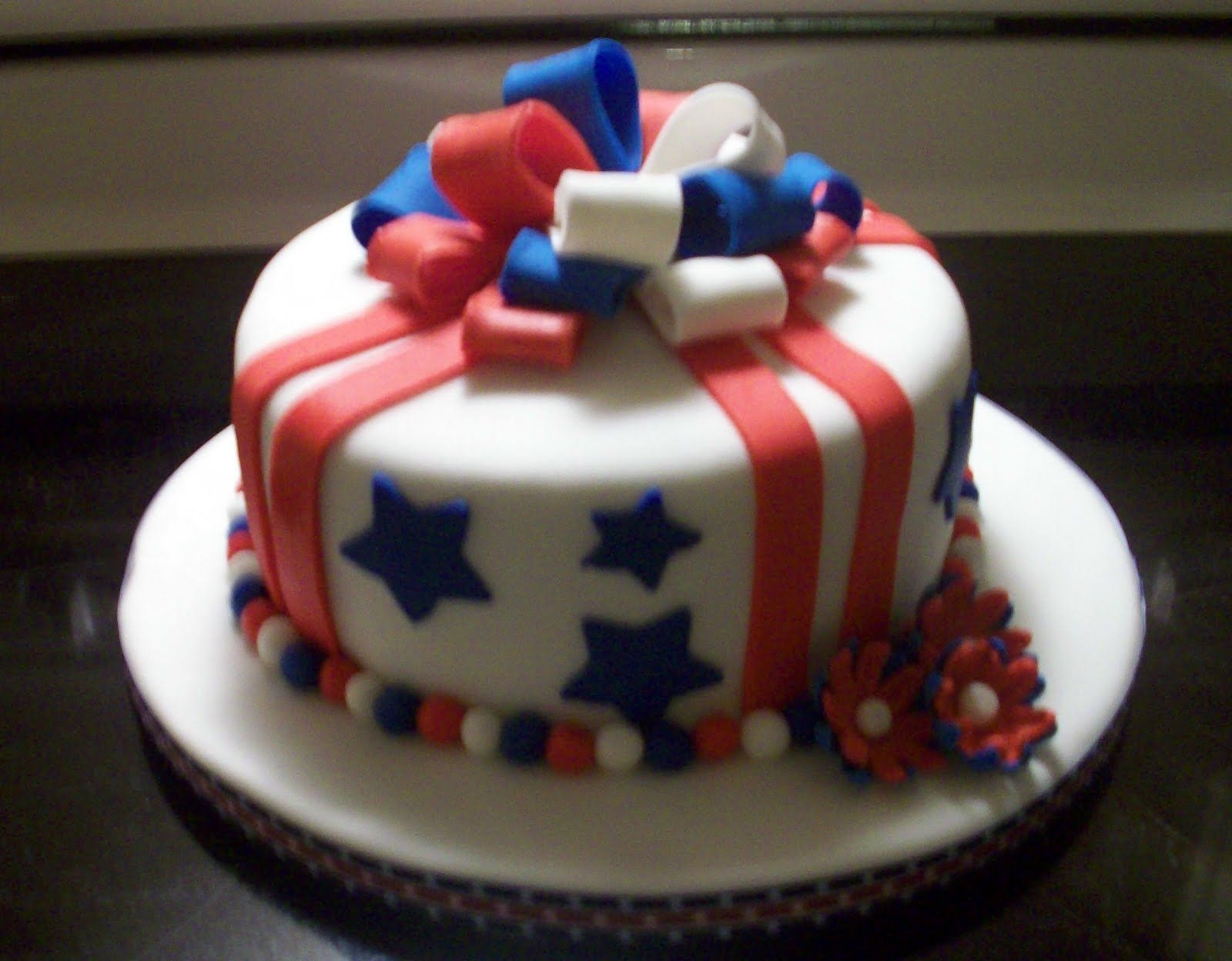 Cake Decorating Ideas For July 4th : fondant 4th of july cakes - Google Search Fourth of July ...