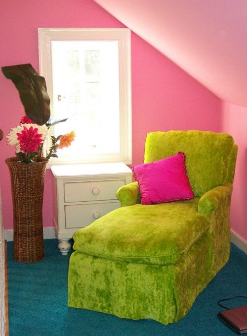 great colors for young girls, tweens and teens! would be cool to find a chair can cover like this!
