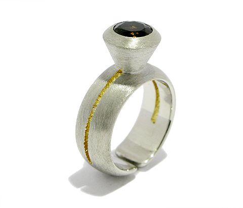 Handgefertigter Ring aus Sterling Silber mit Palladiumbeschichtung ...