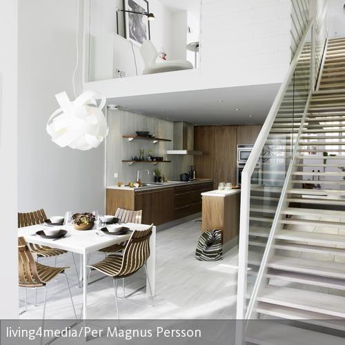 Eine offene Galerie ersetzt hier das Wohnzimmer u2013 wenig Fläche