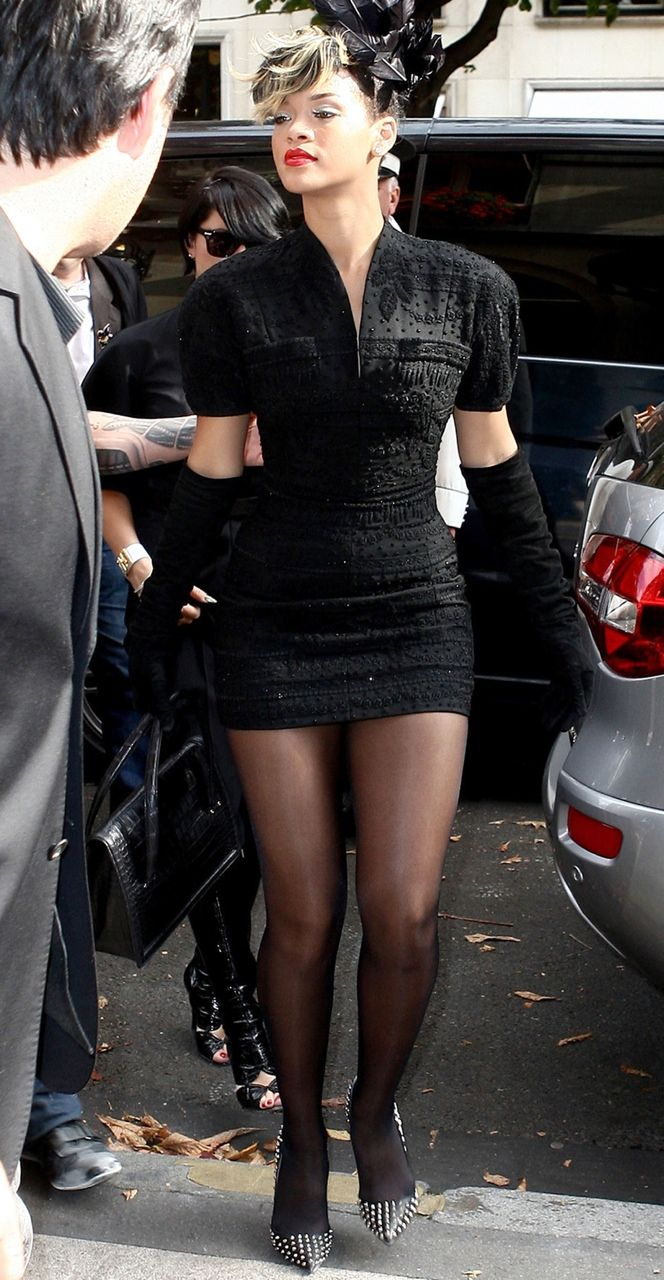 rihanna wearing pantyhose