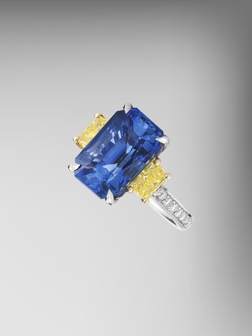 blue_sapphire_and_yellow_diamond_ring_base.jpg
