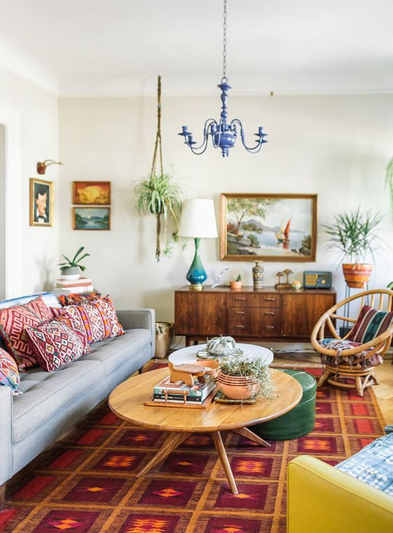 Bohemian Style In A Living Room Design Featuring Mid Century Modern Furniture And Vintage A Bohemian Living Room Decor Vintage Living Room Eclectic Living Room