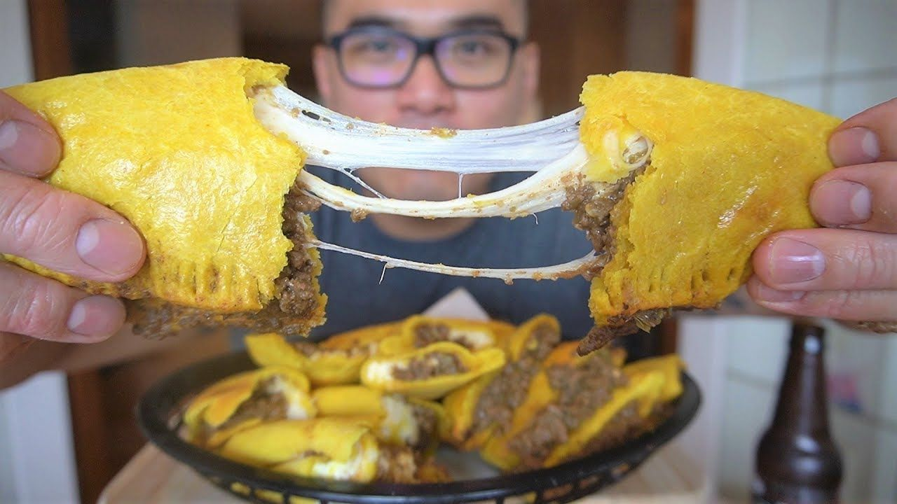 your best ever jamaican pattiesmust make  jamaican patty