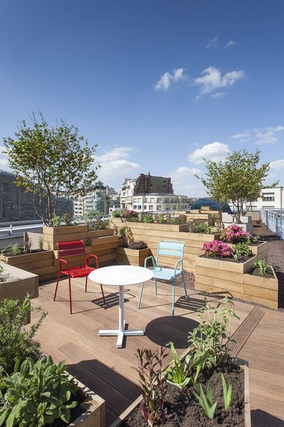 Le toit terrasse du Molitor, Paris, 2014, photo Alexandre Soria. New, very very chic and very very expensive !!!