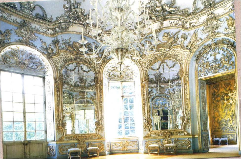 This example of Rococo Interior Design, shows it\'s \