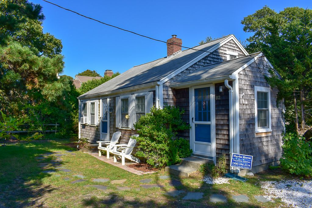 Charming And Cozy Cape Cod Cottage Only 8 Miles To West Dennis Beach Window A C S In Each Bedroom And Living A With Images Real Estate Rentals Cape Cod Rentals Patio Gas