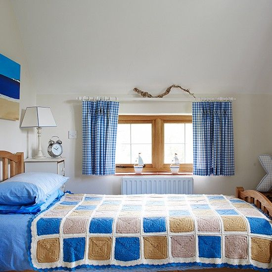 Small Bedroom Design Blue: Little Boy's Blue Country Bedroom