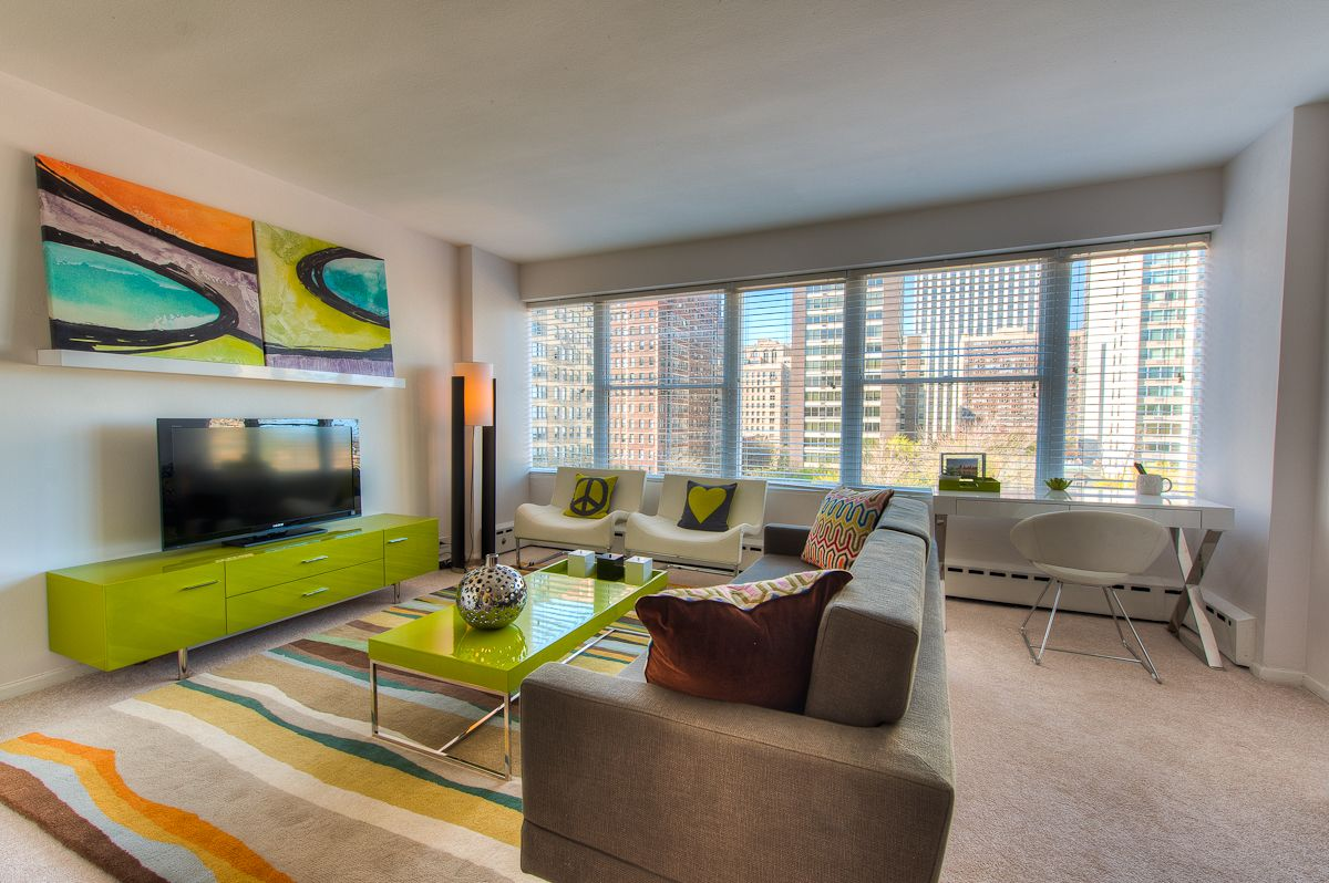 Our studio apartment @ 350 W. Oakdale in Chicago's ...