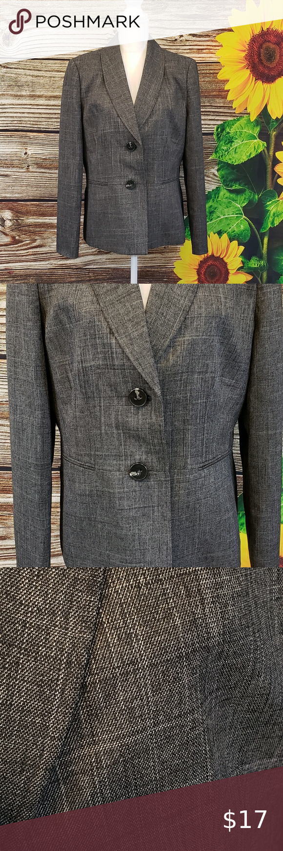 Gloria Vanderbilt women's gray dress jacket Size 16 Jacket is in excellent condition.  Front pockets are looks only  Button down front  Gray Shoulders: padded 17