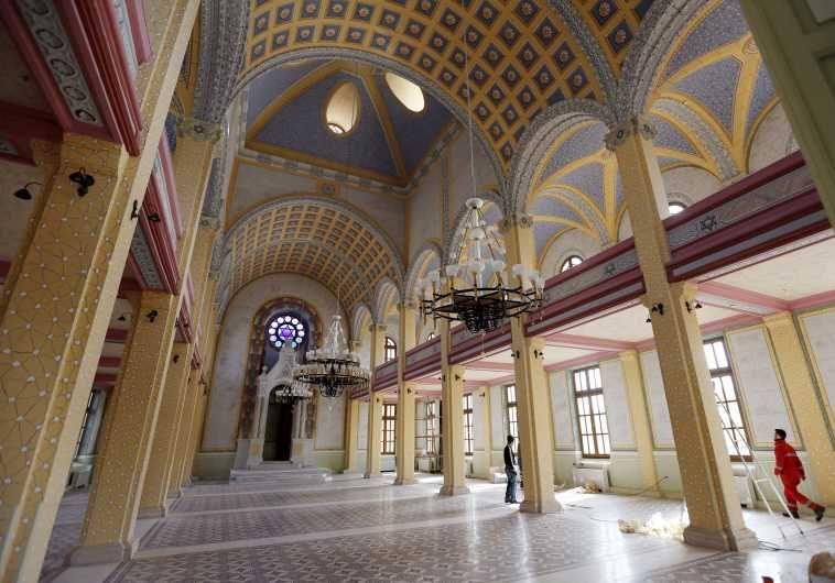 Начиная с 2003 года в Турции восстановили 14 церквей и одну синагогу