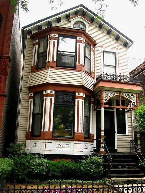 House Old Town Chicago Victorian Homes Chicago House Apartment Garden