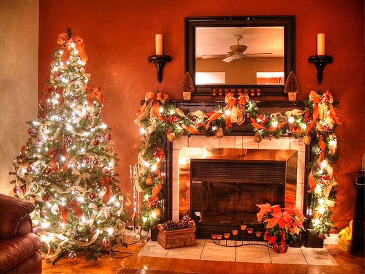 Fancy Christmas Fireplace Decorating Ideas For Christmas
