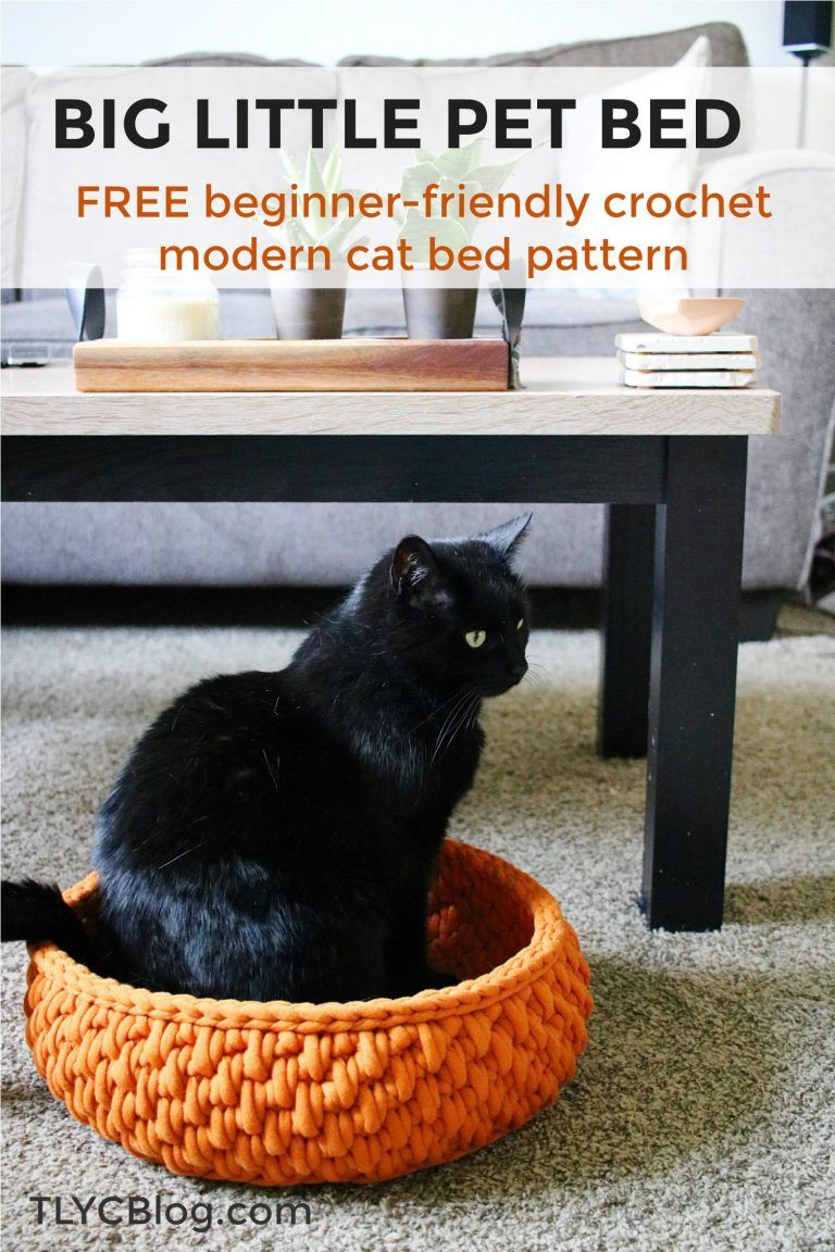 The Big Little Pet Bed A Round Cat Bed Made With Jumbo Yarn Tl Yarn Crafts Crochet Cat Bed Cat Bed Cat Bed Pattern