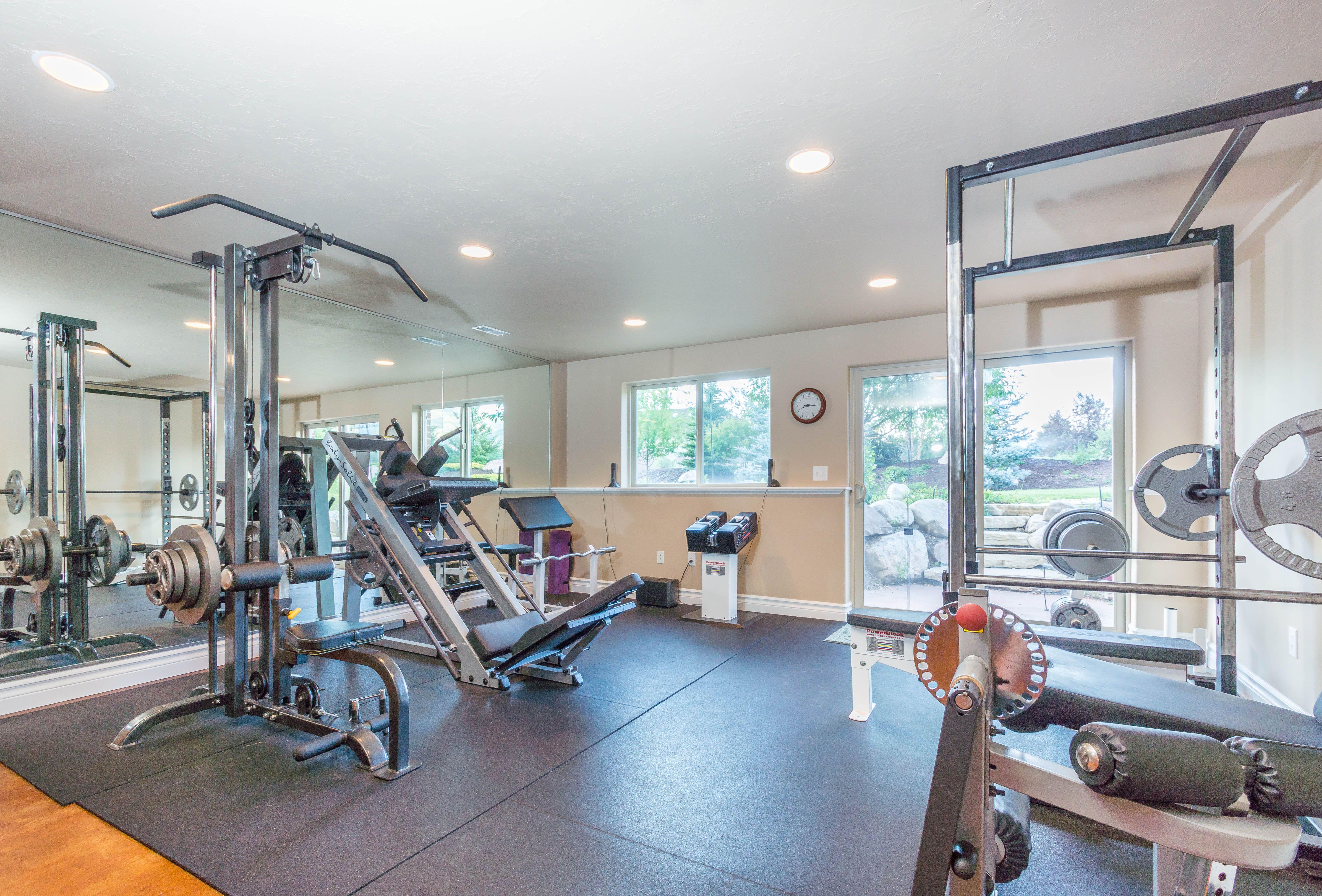 4410 N 3175 E Liberty Utah 84310 Mountain Luxury Utah Homes For Sale Home Beautiful Homes