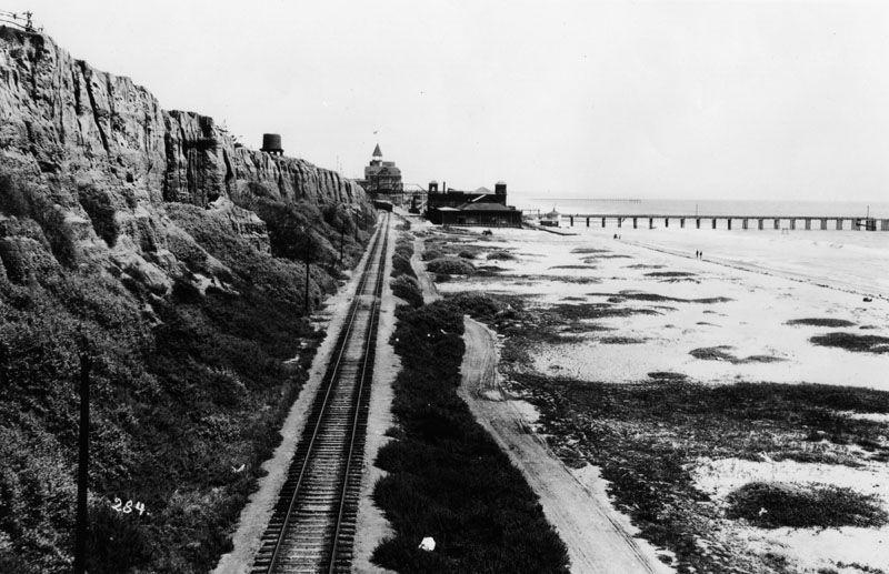 Santa Monica Beach, 1900.