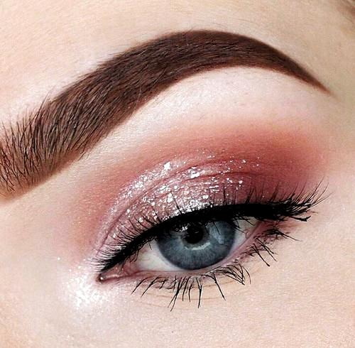 <3  #thinkpink #pinkmakeup #eyeshadow