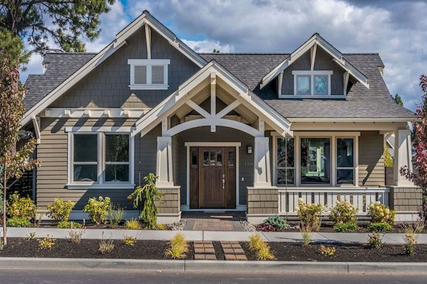 40 Amazing Craftsman Style Homes Design Ideas #craftsmanstylehomes