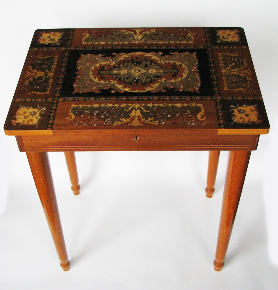 VINTAGE ITALIAN MARQUETRY INLAID WOOD SIDE TABLE   Suits As Side Table Or  Jewellery Box And