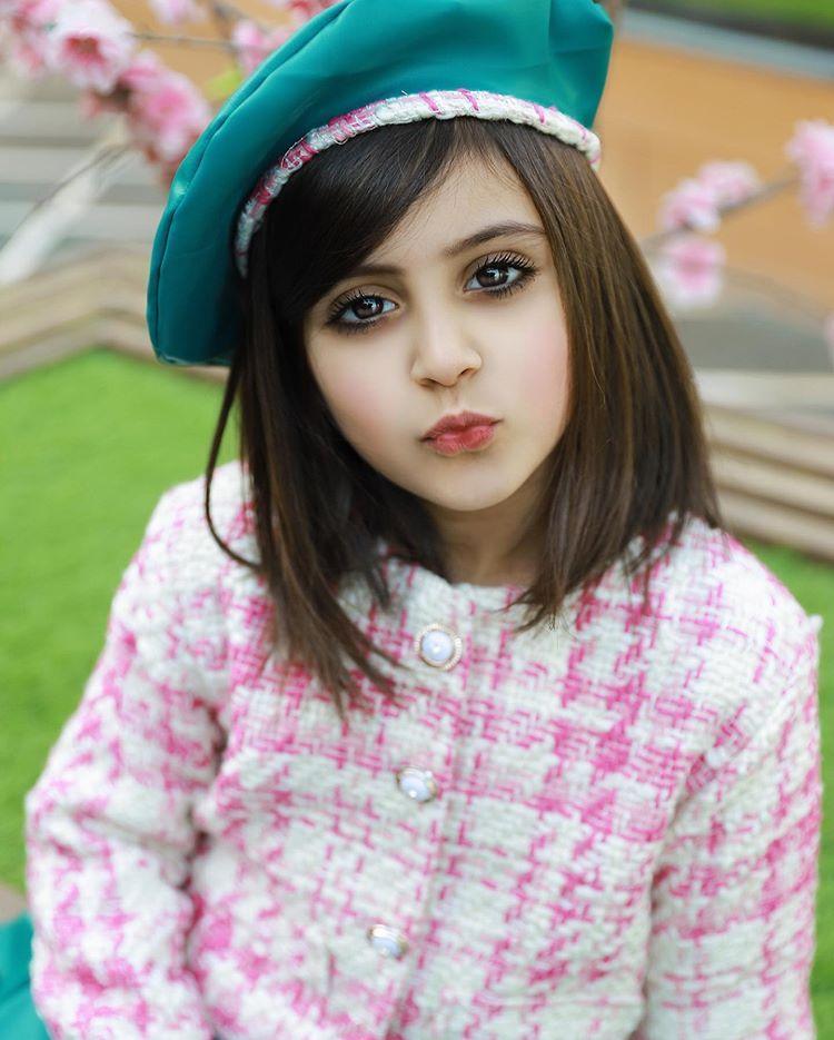 غادة السحيم No Instagram م لامح وجه ك بذاتها ف ن تصوير الفن Lama Fs غادة السحيم وله السحيم ماشا Cute Little Girls Cute Dresses Girl