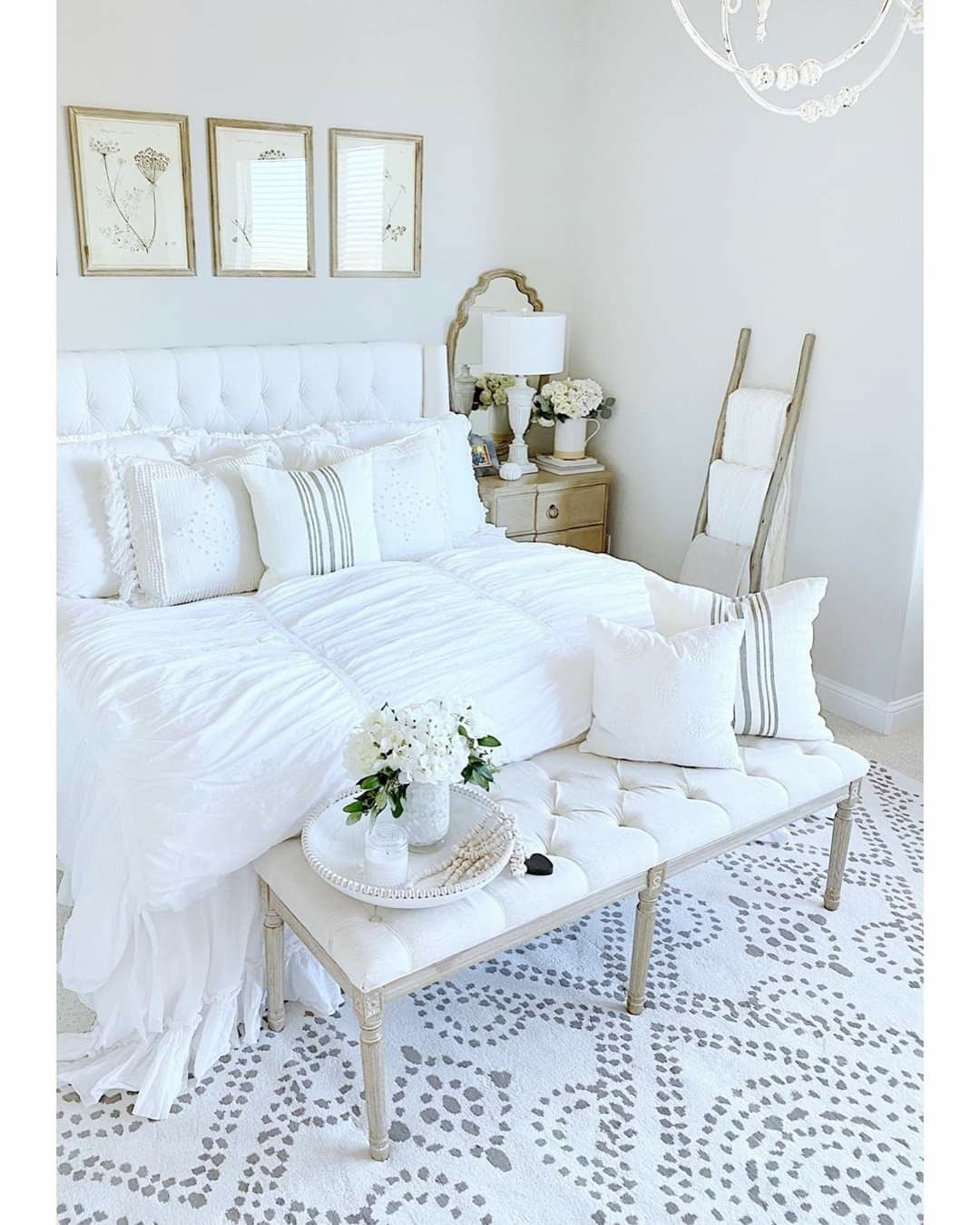 Pin by Maria Sanchez on The beauty of White in 2020