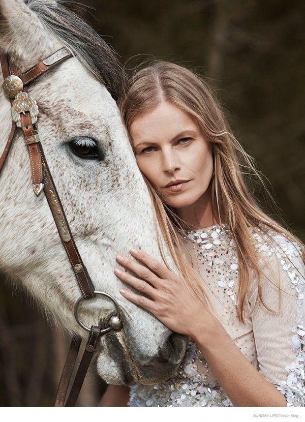 emma-balfour-horse-fashion-shoot-07