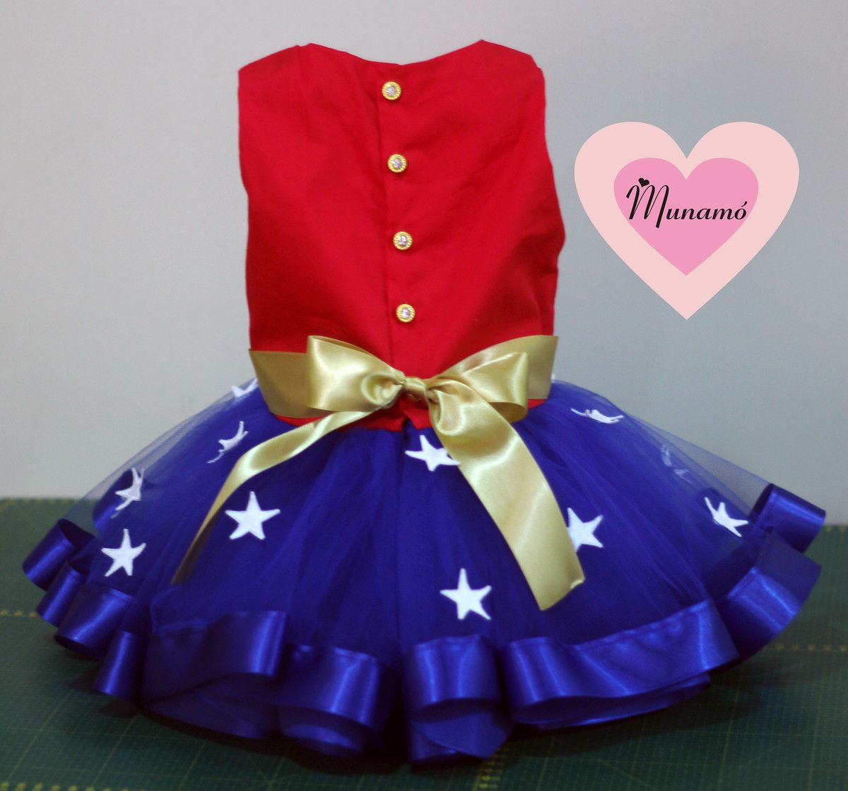 af49d3d22 Fantasias Infantis · Vestido temático da mulher maravilha!!!! Esse valor é  para manequim de 1