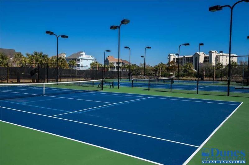 Community tennis courts beach vacation rentals