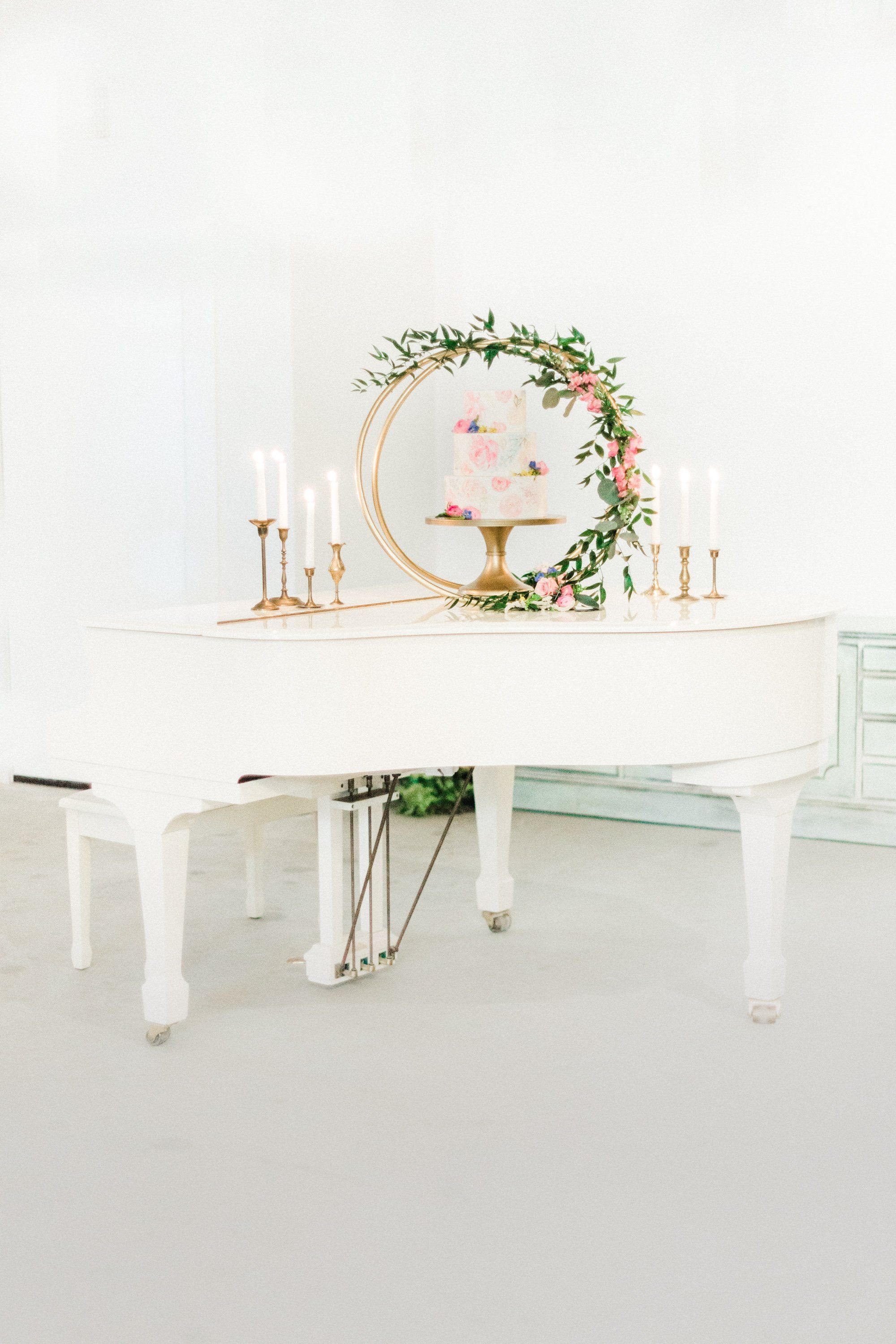 Glamorous Spring Wedding Inspiration at Southern Belle ...