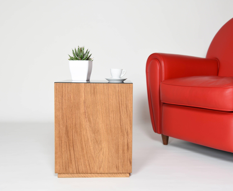 Tavolino scandinavo ~ Comodino comodino moderno in legno di rovere e corian tavolo
