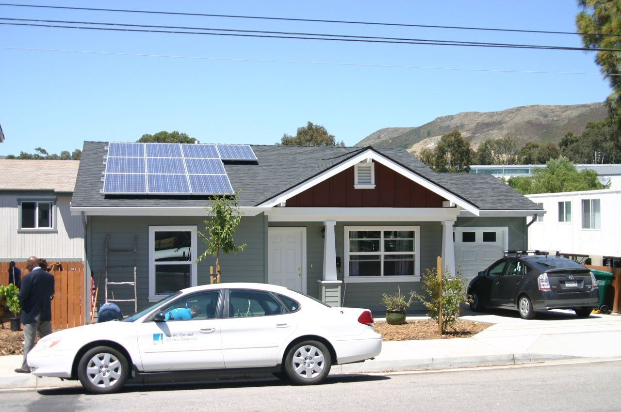 Pacific Gas And Electric Company Pg E And Habitat For Humanity International Began Partnering In 2007 To Provide S Habitat For Humanity Habitats Solar Panels