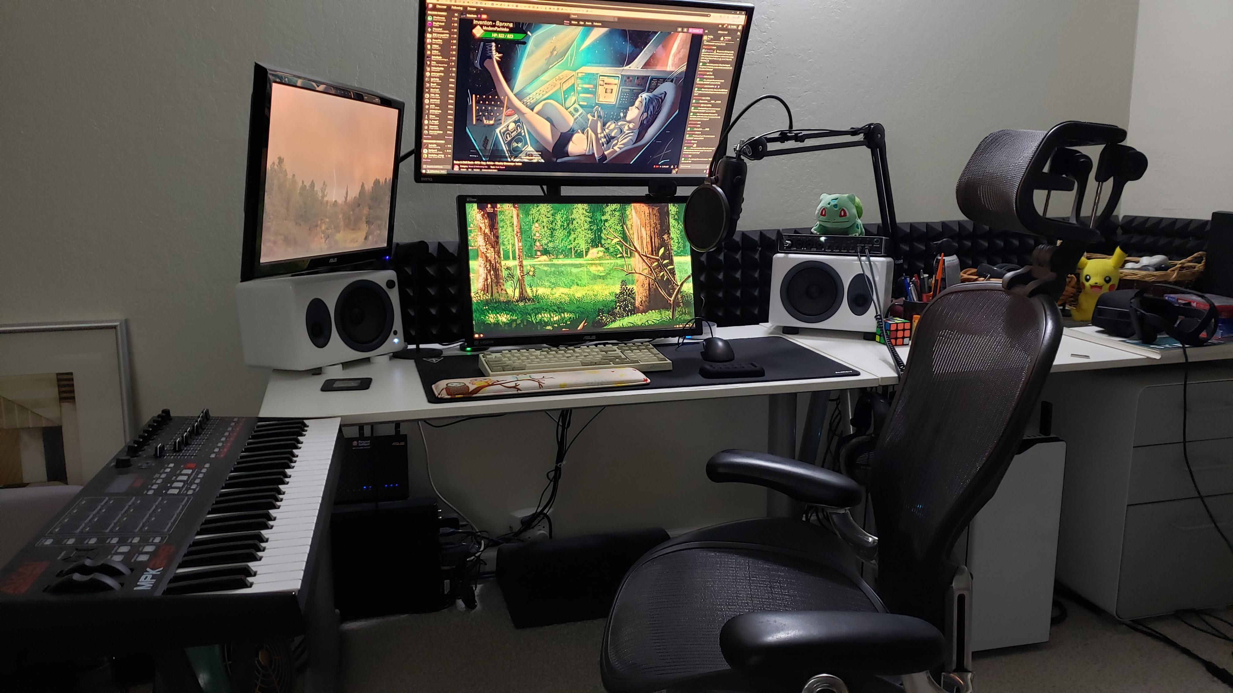 where I play battlefield V and watch twitch streams