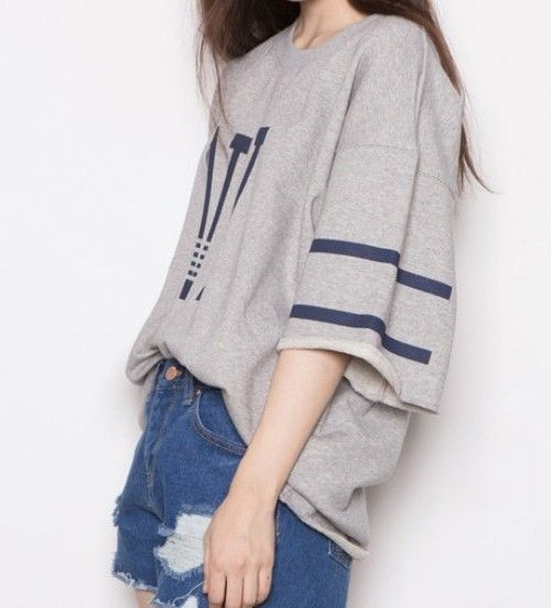 Summer-korea-street-fashion-with-hip-hop-loose-shirt-and-short-pant.jpg (500×552)