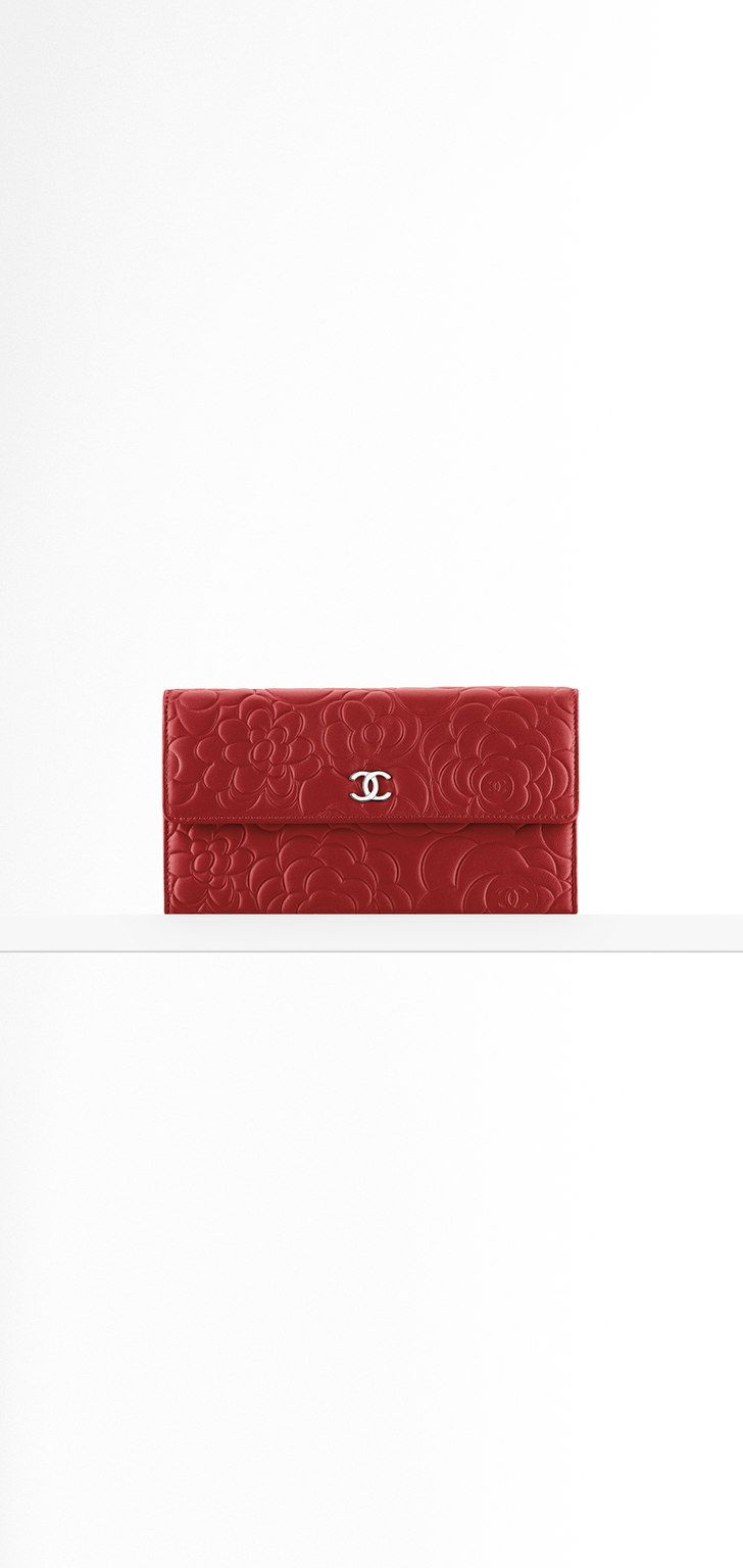 4608848b02f2 Flap wallet in camellia-embossed... - CHANEL | Hand a style not a ...