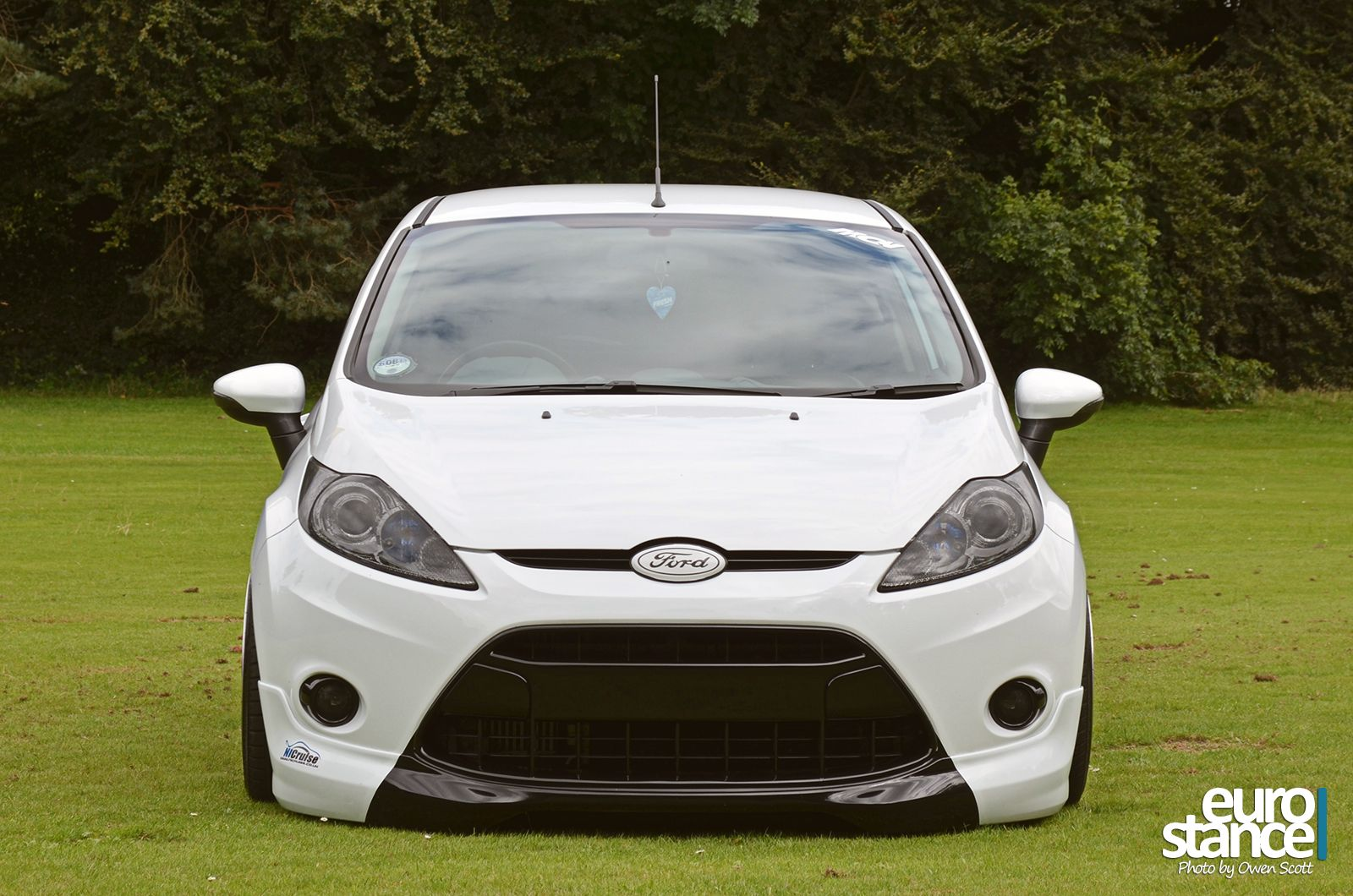 Stephen Chambers Mk7 Ford Fiesta On Hydraulics Stance With
