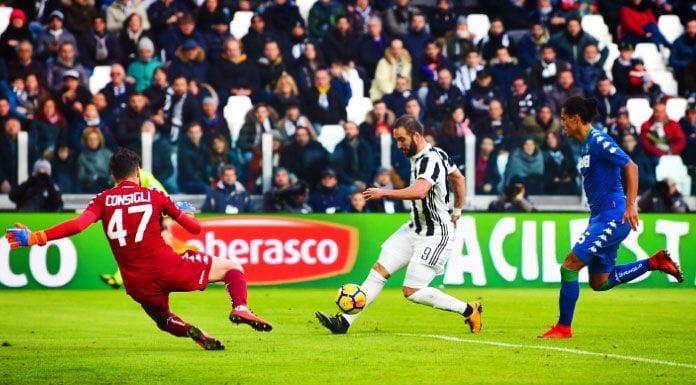 Juve, la richiesta ai tifosi: «Quale partita vorreste rivedere?» La Juventus si sta prodigando con grande attenzione per alleggerire questo difficile momento ai suoi…   #AllianzStadium, #Bianconeri, #Continassa, #Finoallafine, #Finoallafineforzajuventus, #Forzajuve, #Forzajuventus, #InstaJuve, #Juve, #Juventini, #Juventino, #Juventus, #JuventusTV, #Scudetto, #Seriea   #Mercato