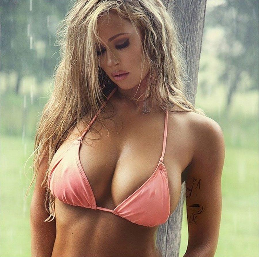 Kelly Deinstadt | Bikini | Pinterest