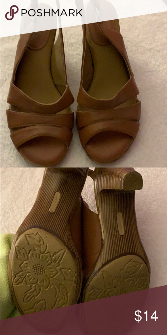 d7b495f22d Soft spots pillow top sandals 2 inch heel woodgrain pattern tan leather on  top very soft