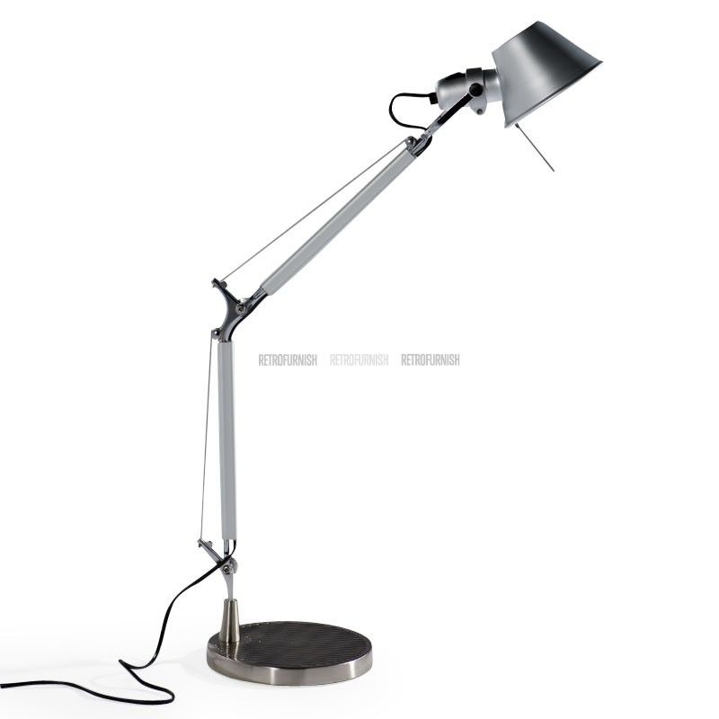 The Tolomeo Style Desk Lamp Is A Faithful Reproduction Of An Original Design Which Was Created In The Architectural Style Of Th Huis Interieur Interieur Lampen